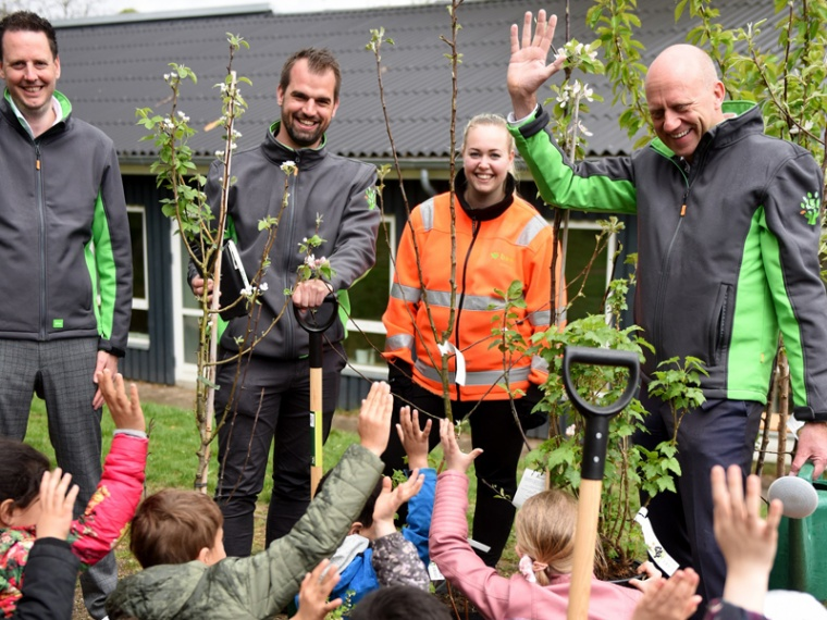 BAM Danmark plants fruit trees at day care centres in Copenhagen