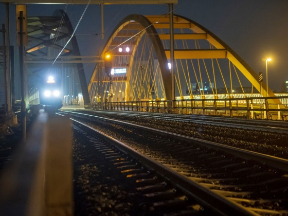 Rail bridge Utrecht (photo: Gerrit Serné)